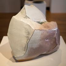 Hagi Ware - Kaneta Masanao - Pounded, hand-hollowed vase with white glaze and kiln effects